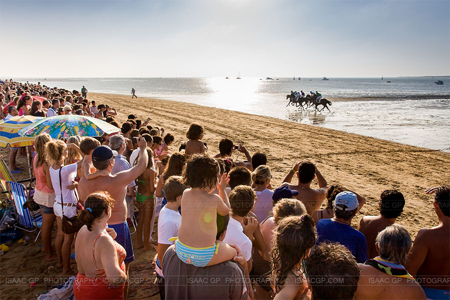 Horse Racing on the beach, Sanlúcar de Barrameda ( Cádiz – Andalusia) Spain