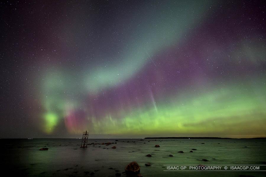IsaacGP_Aurora-borealis-in-springtime_3